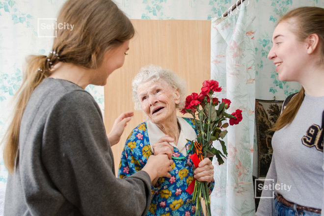 «Петербургская Недвижимость» приняла участие в акции «БабушкиНа радость»